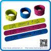 Bracelets faits sur commande de claque de silicones de festival pour le cadeau de décoration