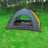 la personne du Double couche 3-4 de 200*200*135*Cm badine la tente