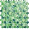 緑ガラスのモザイク模様のタイル