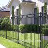 Poteaux de barrière, conception de barrière et barrière en métal