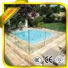 piscine épaisse de 12mm clôturant le verre