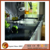 Bancada preta natural da cozinha da pedra de quartzo