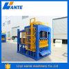 O bloco de Qt6-15c e a máquina de fatura concreta, alinham o bloco oco que faz a máquina