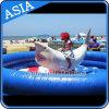 Aufregender mechanischer Haifisch, der aufblasbare Spiele reitet
