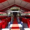 Una cerimonia nuziale esterna delle 500 della gente della tenda foranea di stirata tende di evento