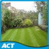 Erba artificiale durevole più popolare che modific il terrenoare l'erba della decorazione