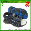 Il più nuovo modo scherza i sandali del ragazzo dei pattini della spiaggia