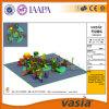 Vasia Stroh-Serien-erfreulicher im Freienspielplatz 2016 (VS2-160328K-29)