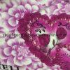 花プリントが付いている染められた両面のフランネルの羊毛