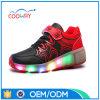 2017 chaussures neuves de patin de rouleau d'éclairage LED de qualité de type pour des gosses