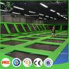 Sosta dell'interno del trampolino degli adulti commerciali relativi alla ginnastica professionali