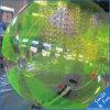 De lopende Bal van het Water, de Opblaasbare Bal van het Water voor het Park van het Water