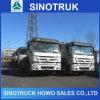 10wheelerトラクターは販売のためのSinotruk HOWO 25tonのトラクターヘッドをトラックで運ぶ
