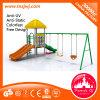 Campo de jogos ao ar livre popular da área de jogo das crianças com balanço