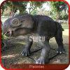 Le constructeur Animatronic de dinosaur simulent le dinosaur