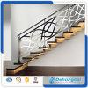 Trilhos bonitos do Stairway do ferro feito