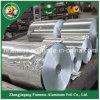 Aluminiumfolie in der riesigen Rolle mit hölzerner Verpackung
