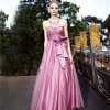 Femmes Satin Flower Long Evening Dress au printemps