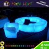 現代プラスチック家具によって照らされるLEDのヘビのベンチ