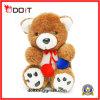 Brinquedo bonito de ursinho com elegantes vestidos de seda