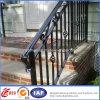 Trilhos bonitos decorativos do Stairway do ferro