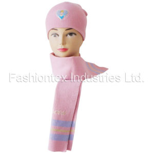 Knitted Scarf Hat pictures & photos