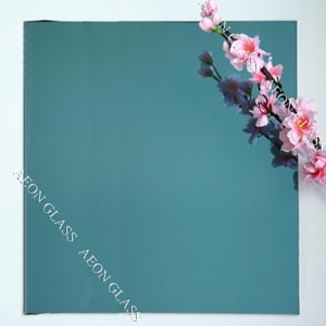 CE Certificate 4mm, 5mm, 5.5mm, 6mm Lake Blue Reflective Glass pictures & photos