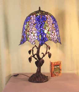 Art Tiffany Table Lamp 836 pictures & photos