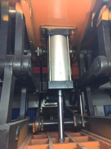 Manufacturer Supply Servo Motor PLC Control Plastic Thermoforming Machine pictures & photos