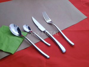 18/8 Stainless Steel Spoon Fork Knives Dinnerware Tableware Cutlery Set pictures & photos