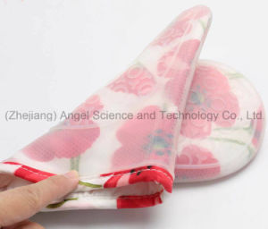 Wholesale Short and Thick Silicone Oven Glove Sg21 pictures & photos
