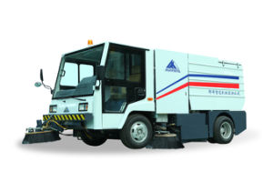 Automatic Sanitation Road Cleaning Truck pictures & photos