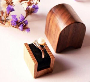 Small Golden Ring Showing Wooden Gift Box pictures & photos