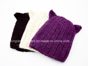 100% Acrylic Knitted Purple Devil Hat pictures & photos