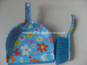 Printed Dustpan and Brush Set pictures & photos
