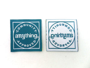 Good Quality Popular Design Woven Apparel Labels pictures & photos