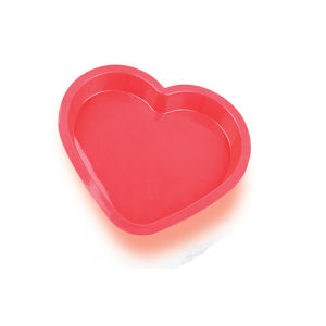 LFGB Cute Heart Silicone Cake Mould pictures & photos