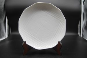"Ceramic Dishes for Hotel Restaurant 10 ""Multi Angle Pattern Plate pictures & photos"
