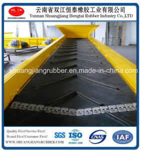 Strong Adhesion Rubber Chervon Conveyor Belt pictures & photos