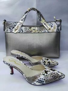 Women Snake Texture Bags and Slippers (G-22) pictures & photos