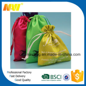 2016 Fashion Drawstring Satin Gift Bag pictures & photos
