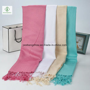 2017 New Lady Fashion Scarf with Tassel Twill Plain Muslim Hijab pictures & photos