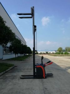 Auto Electrical Stacker with Good Quality pictures & photos