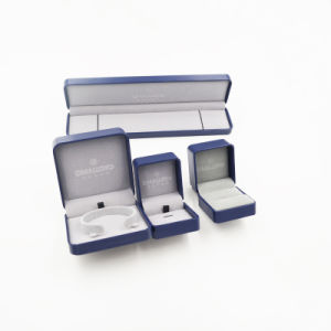 Shenzhen Exporter of Ladies′ Ring Jewelry Set Box (J104-E) pictures & photos