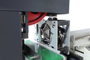 Fully Automatic Jumbo Roll Cutting Machine pictures & photos