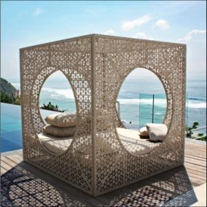 Fashionable Sunshine Lounge Beach Circular Garden Furniture Rattan Sunbed T704 pictures & photos