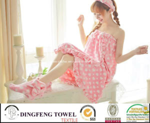 Ladies & Kid Coral Fleece Printed Bath Robe (hair band shoes) pictures & photos