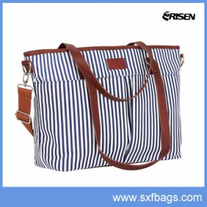 New Style and Functionality Diaper Tote Bag with Changing Pad pictures & photos