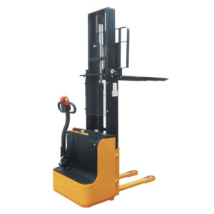 Cdd -15 Electric Pallet Stacker (1500kg) pictures & photos