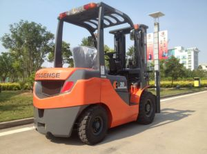 3.0ton Diesel Forklift Truck with Imported Engine pictures & photos
